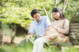妊娠中の夫婦